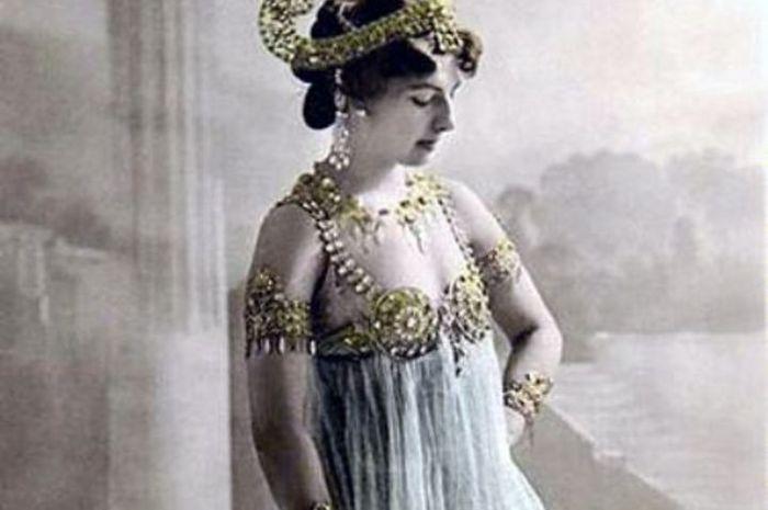 Mata Hari, penari erotis tertuduh agen ganda di Perang Dunia I. Saat dieksekusi mati, Mata Hari meno