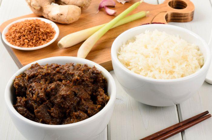 Rendang, masakan khas Sumatra Barat yang saat ini ternama di dunia.