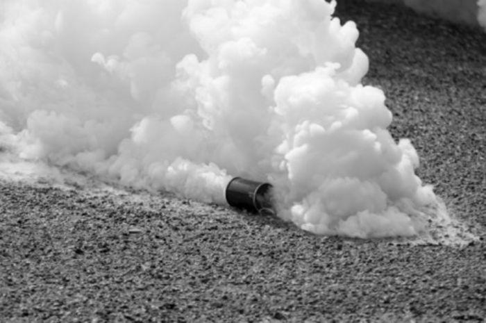 Ilustrasi gas air mata