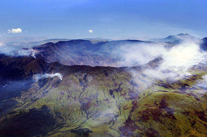 Kaldera Tambora yang terbentuk sejak letusan dahsyat 1815