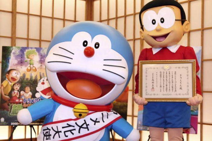 Download 70 Gambar Doraemon Pacaran Paling Lucu