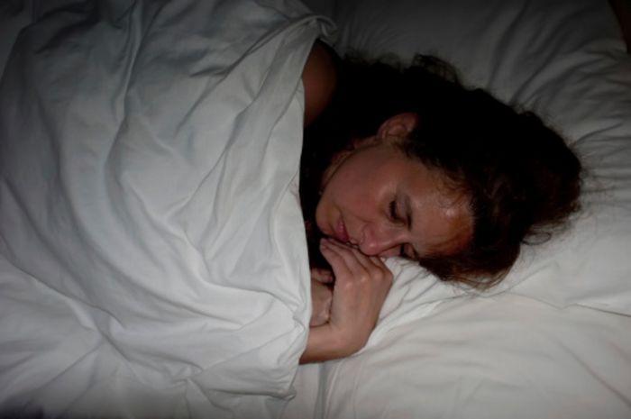 Тётя уснувшая