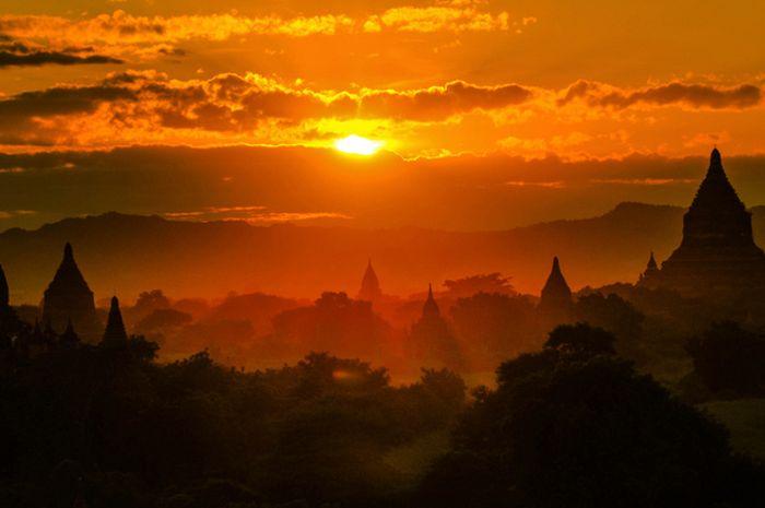 Mengapa Matahari Terbit Dan Terbenam Menampilkan Warna
