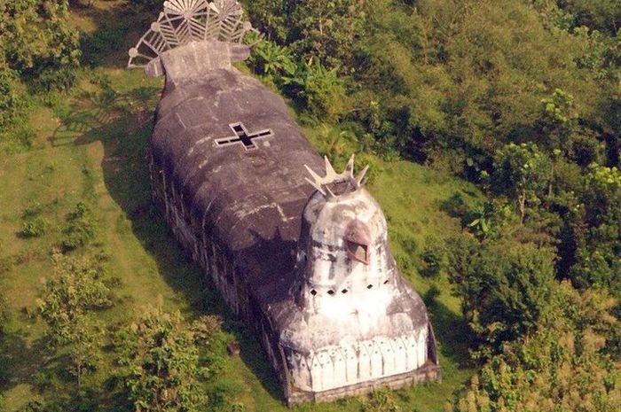 Penampakan Gereja Ayam dari atas.