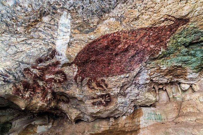 Salah satu ciri khas gambar cadas kaum Pemburu adalah munculnya imaji mamalia besar, seperti anoa di Maros, Sulawesi Selatan.
