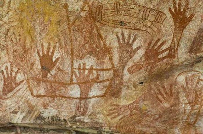 Lukisan Prasejarah Di Dinding Goa