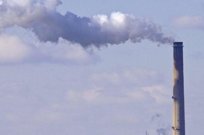 Sumber buatan manusia, emisi sulfur dioksida beracun ditemukan di seluruh dunia.