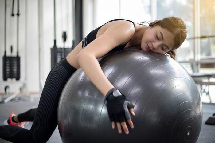 Olahraga berlebihan bisa memberikan beberapa dampak buruk pada tubuh.