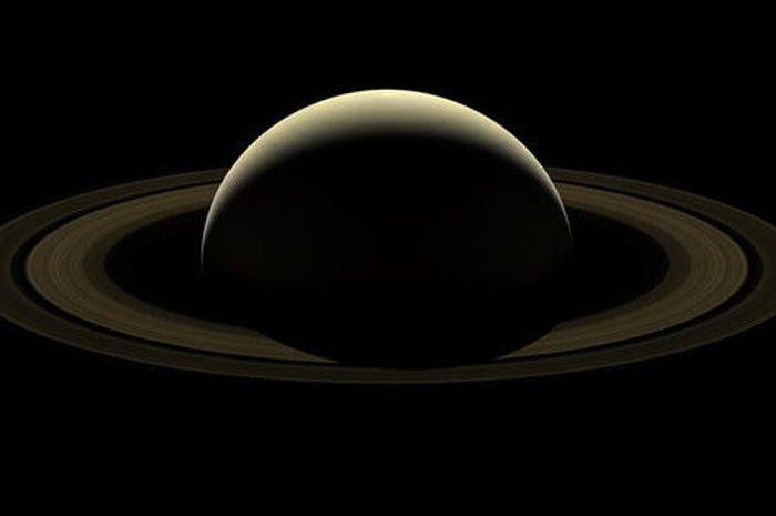 Teleskop Hubble Berhasil Tangkap Gambar Saturnus dengan Lebih Detail - National Geographic - National Geographic