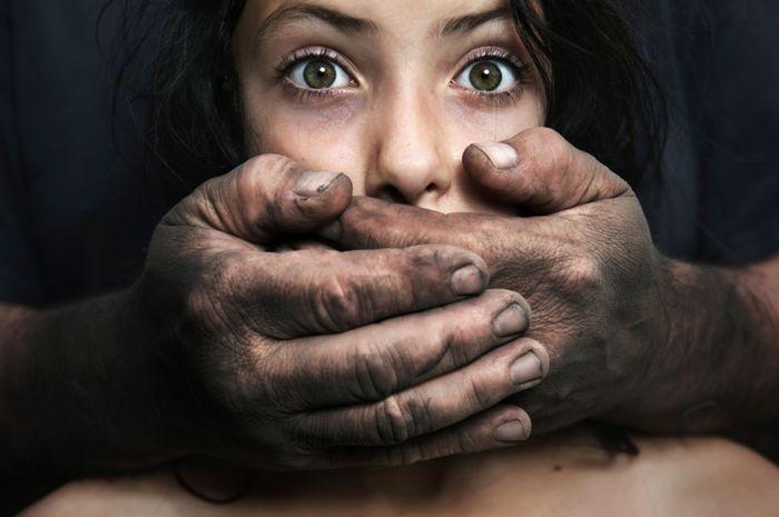Pengidap sindrom Stockholm merasa penculik adalah penyelamatnya.