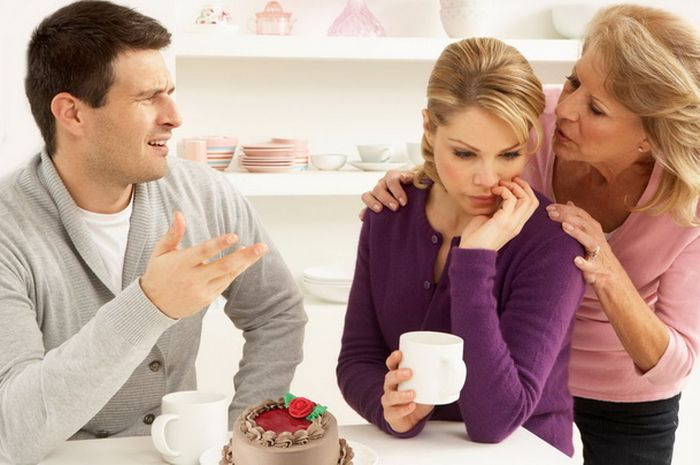Tips Bila Mertua Rese Karena Terlalu Ikut Campur Urusan