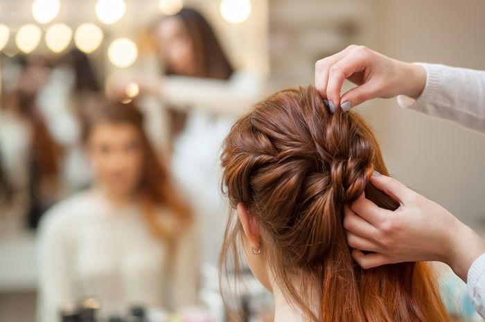 Ini 6 Tatanan Elegan Dan Glamor Yang Cocok Untuk Si Rambut Panjang Dijamin Anti Bosan Semua Halaman Nova
