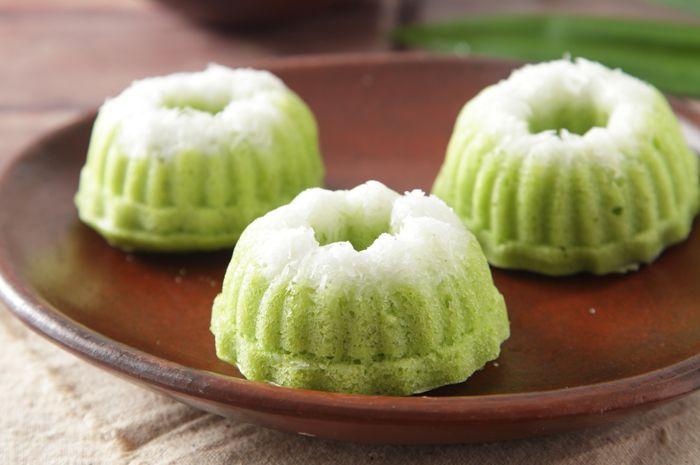 Yuk, Buat Kue Tradisional Putu Ayu Dengan Resep Mudah Ini