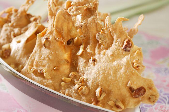 Membuat Rempeyek Kacang Tanah Tipis Renyah Mantap untuk Pelengkap Sajian