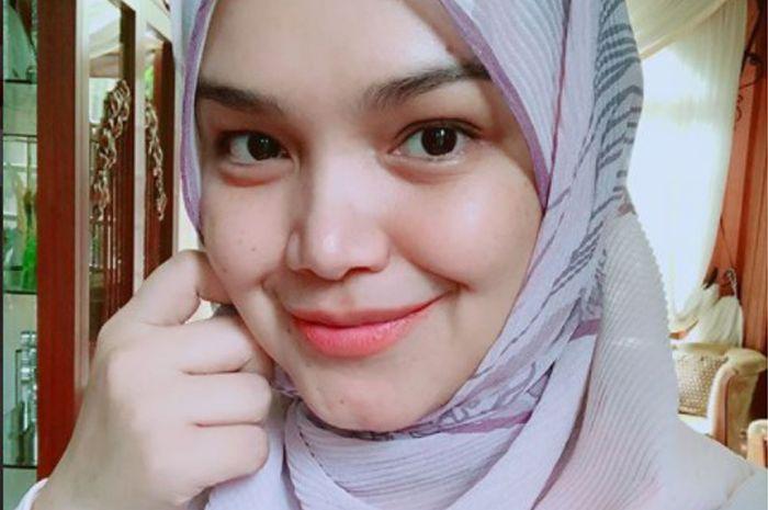 "Siti Nurhaliza Traktir Karyawannya Banyak Makanan, Netizen Memuji: ""Sudah Kaya, Baik Hati Pula"""