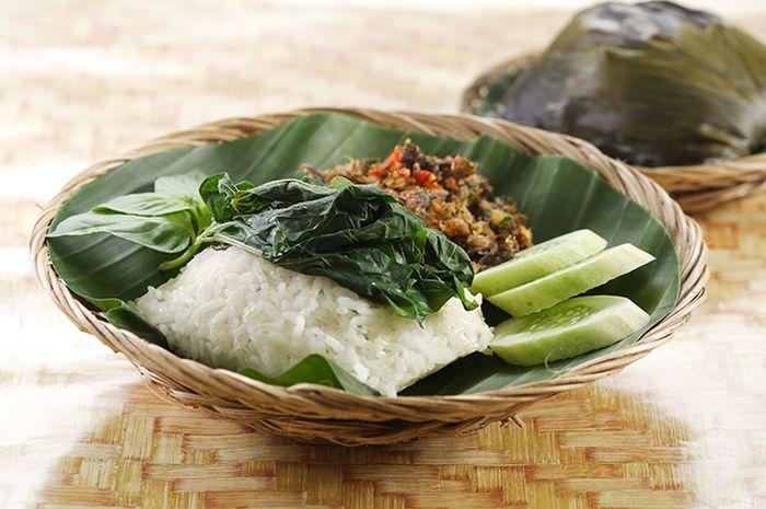 Nasi Bakar dengan Sambal Belut