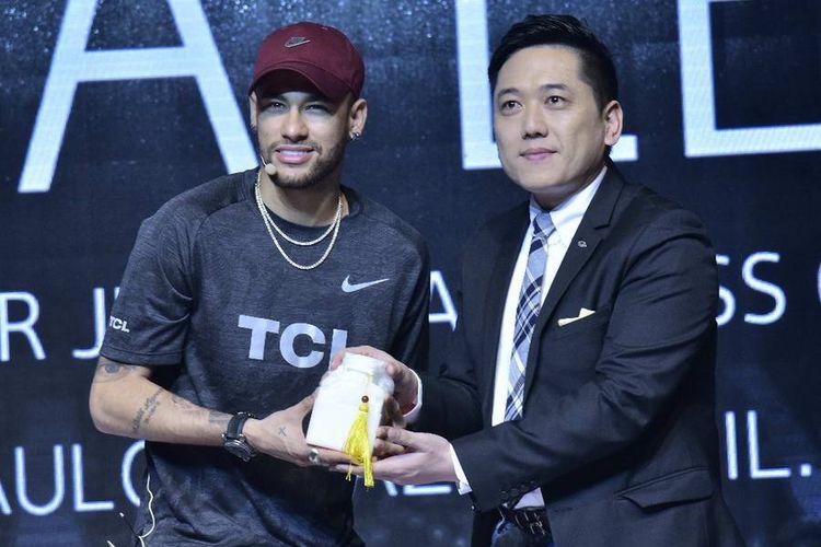 Pesepakbola Neymar Junior Didapuk Sebagai Global Brand Ambassador TCL