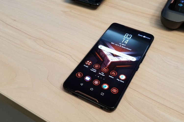 "ASUS ROG Phone, Smartphone Gaming dengan Spesifikasi ""Monster"""
