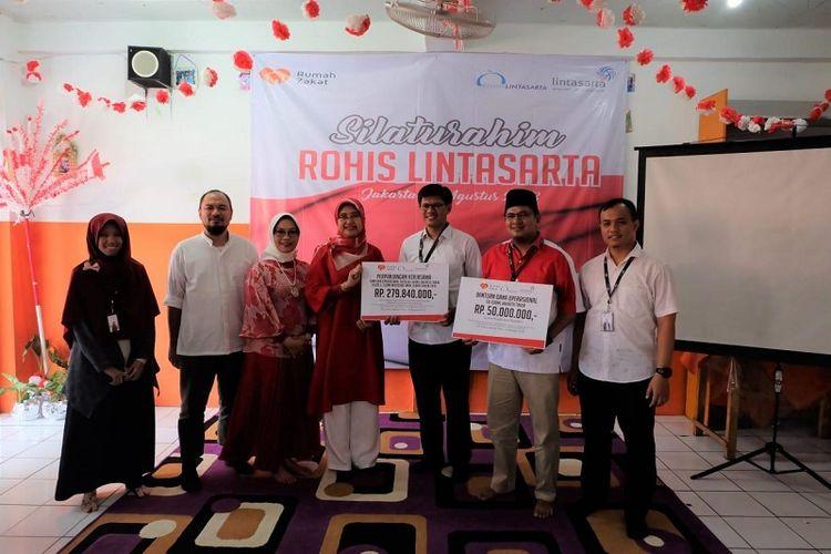 Lintasarta Salurkan Dana Operasional dan Beasiswa kepada Anak SD