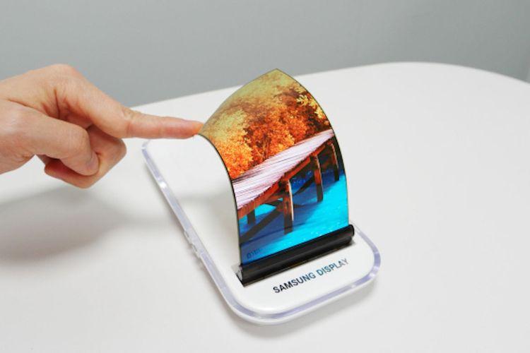 Alasan Samsung Tidak Pasang Gorilla Glass pada Ponsel Lipatnya