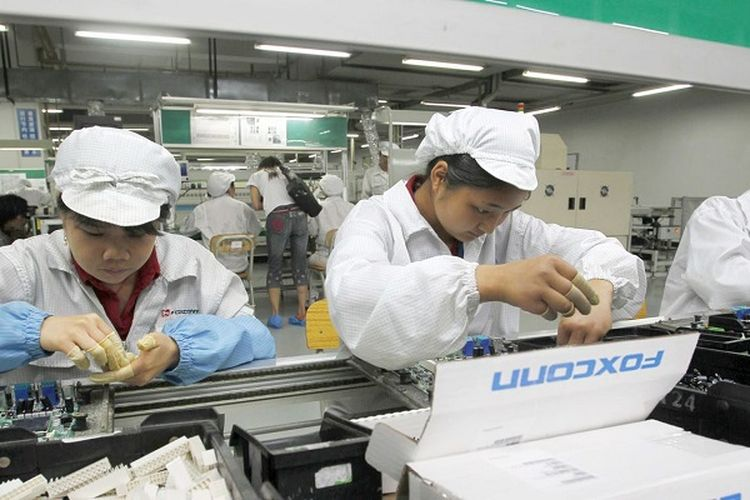 Hindari Perang Dagang AS vs China, Foxconn akan Rakit iPhone di India