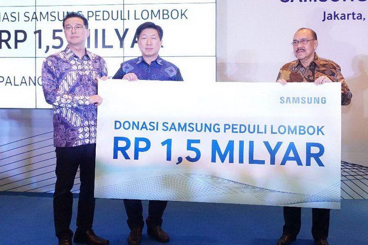 Samsung Peduli Lombok Bersama PMI Berikan Donasi Senilai Rp 1,5 Milyar