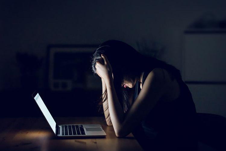 Suka Duka Moderator Konten Medsos, Siap Nonton Film Porno Hingga 8 Jam