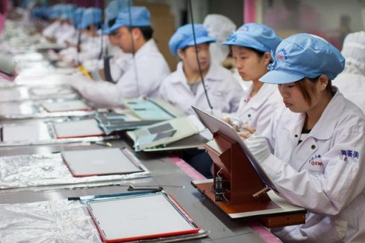 """Apple Investigasi Laporan Anak-anak Jadi Buruh """"Robot"""" di Tiongkok"""