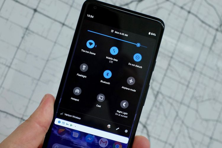 "Tips Supaya Baterai Android Super Irit, Gunakan Mode ""Dark Mode"""