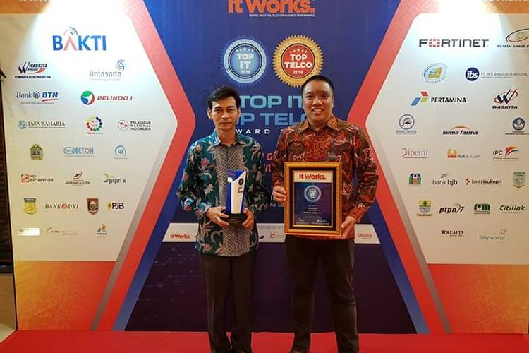 3Dolphins Sabet Penghargaan TOP Chatbot AI Solution 2018
