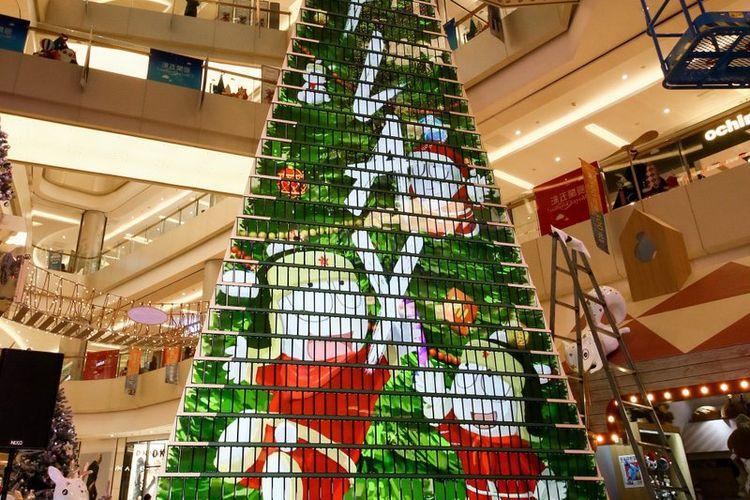 Xiaomi Bikin Pohon Natal Setinggi 8 Meter dari 1.000 Xiaomi Mi Play