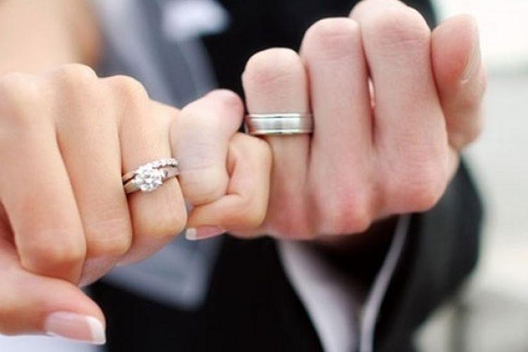 Inilah Alasan Kenapa Cincin Pernikahan Digunakan di Jari Manis Tangan Kiri,  Bukan di Jari Lain - Semua Halaman - Intisari