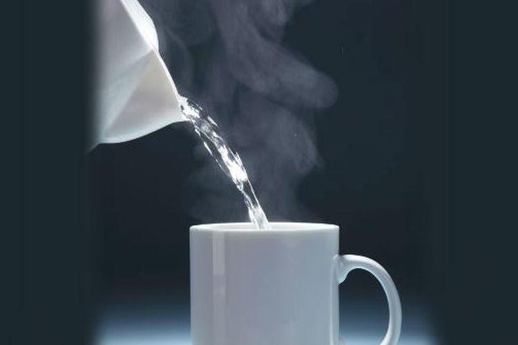 Cobalah Minum Air Putih Hangat Setiap Pagi Saat Perut Masih Kosong Dan Rasakan 5 Manfaat Ini Pada Tubuh Anda Semua Halaman Intisari