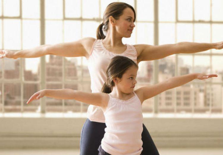 Makin Kompak dan Sehat, Yuk Moms Ajak Si Kecil Olahraga di Rumah