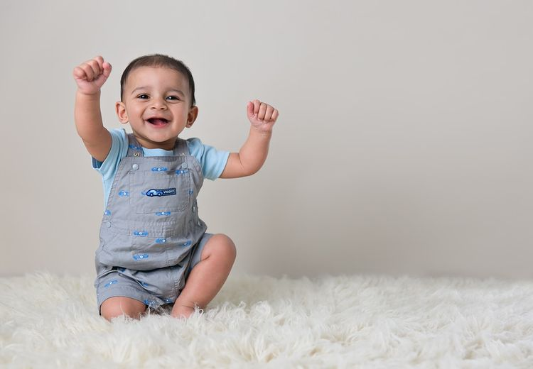 Apakah Bayi Sudah Mengenal Warna?