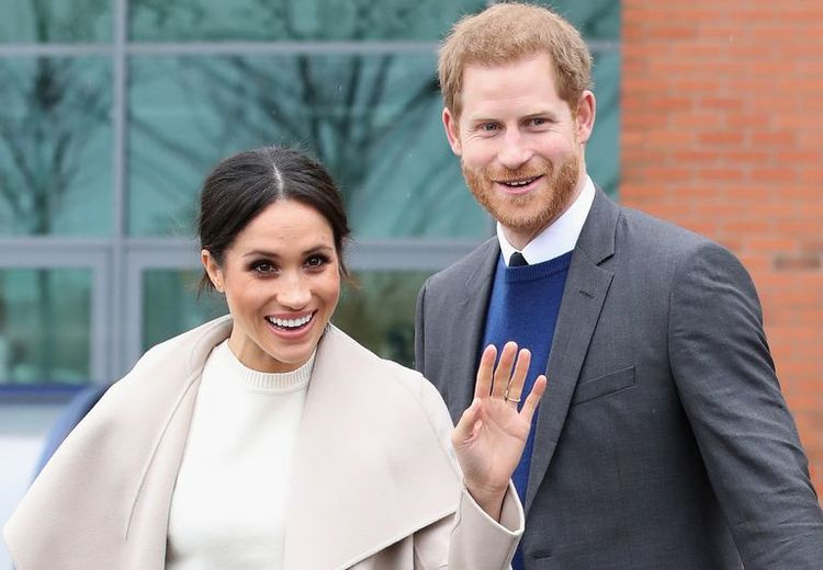 Begini  Romantisnya Pangeran Harry saat Menatap Meghan Markle