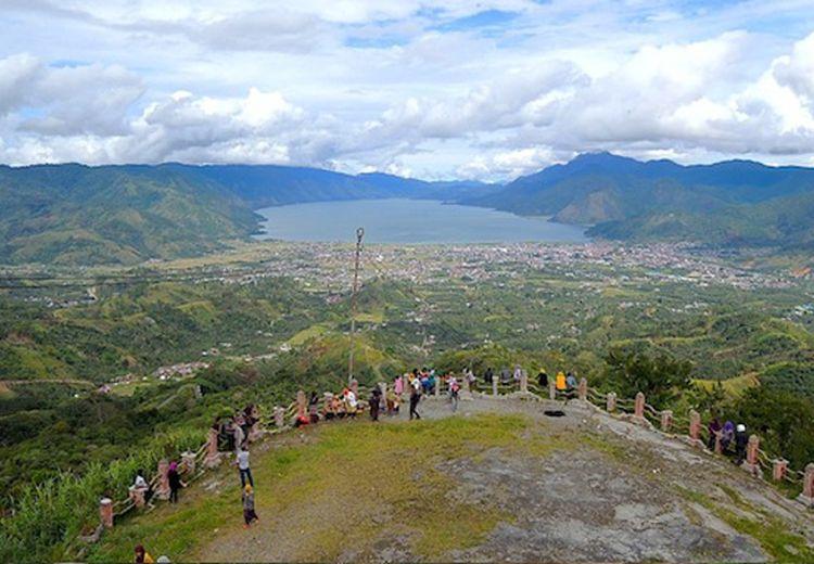 Melihat Pemandangan Menakjubkan di Takengon, Negeri di Atas Awan