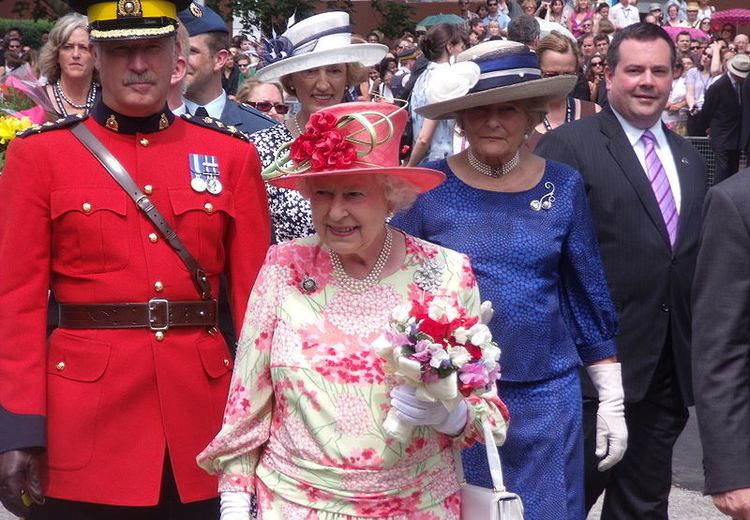 Mengapa Ada Ratu Inggris, Tapi Tidak Ada Raja? Ayo, Cari Tahu!