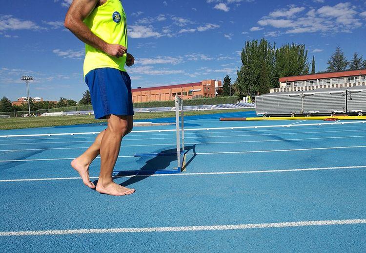Bolehkah Kita Berolahraga Tanpa Memakai Alas Kaki? Ini Alasannya