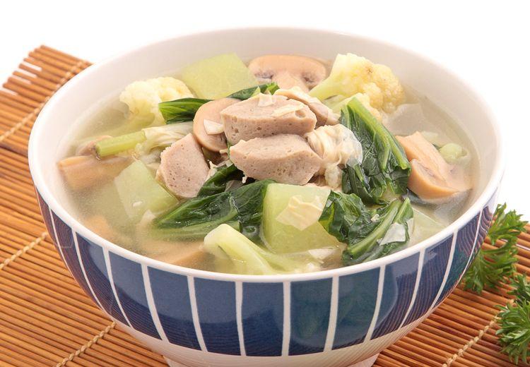 Asyik Banget! Malam Ini Makannya Ditemani Kehangatan Sup Sawi Campur Kembang Tahu