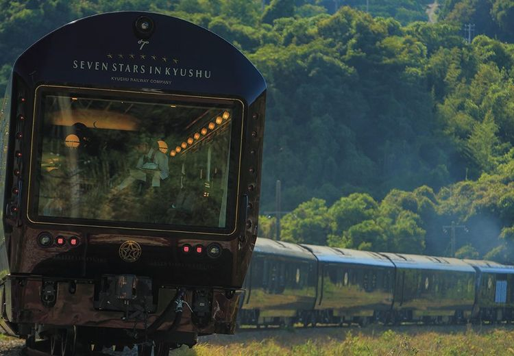 Yuk Intip Megahnya Kereta Api Termewah di Dunia yang Ada di Jepang