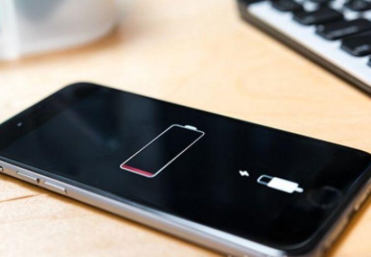 Biar Awet, Baterai Ponsel Sebaiknya Di-charge Saat 30% Dan Hanya Sampai 80%.