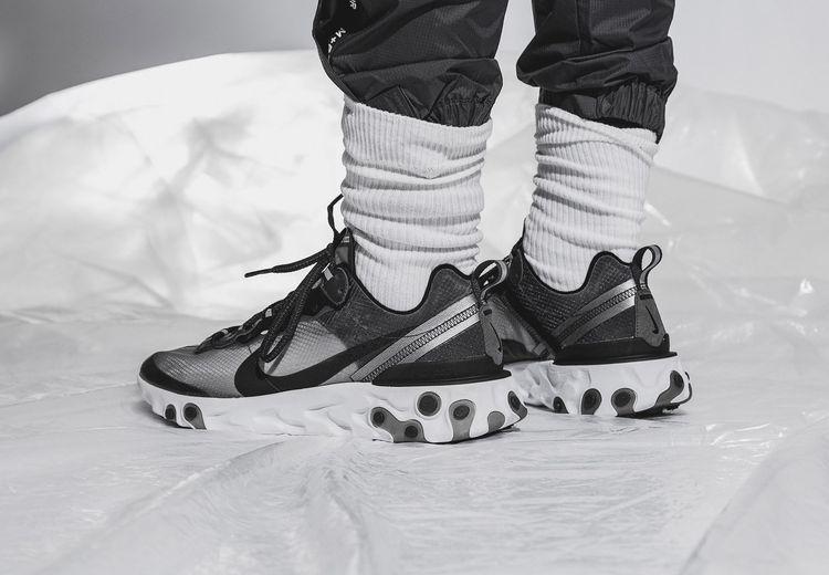 Nike Luncurkan Sneaker Transparan Bernama 'Nike React Element 87'