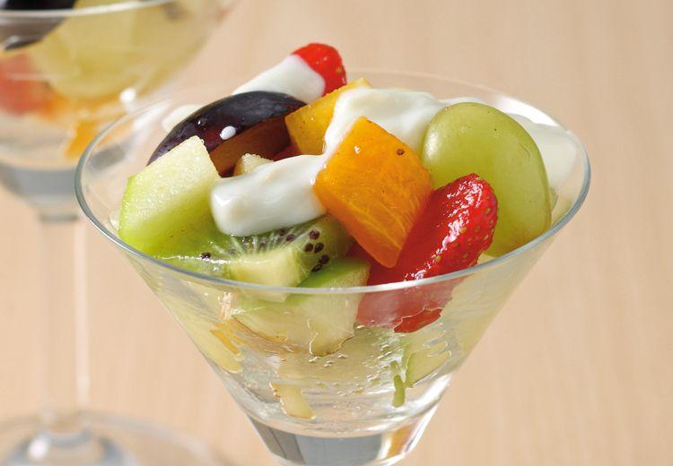 Sajikan Salad Buah Saus Leci Saja Untuk Menu Dessert Sehat nan Segar