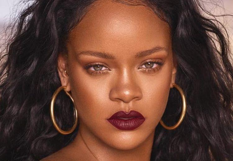 Rihanna Siap Meluncurkan Fim Dokumenter Tentang Hidupnya, Tahun Ini!