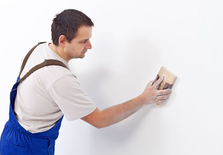Bau Menyengat Timbul dari Dinding, Ikuti 3 Cara untuk Membasmi Jamur