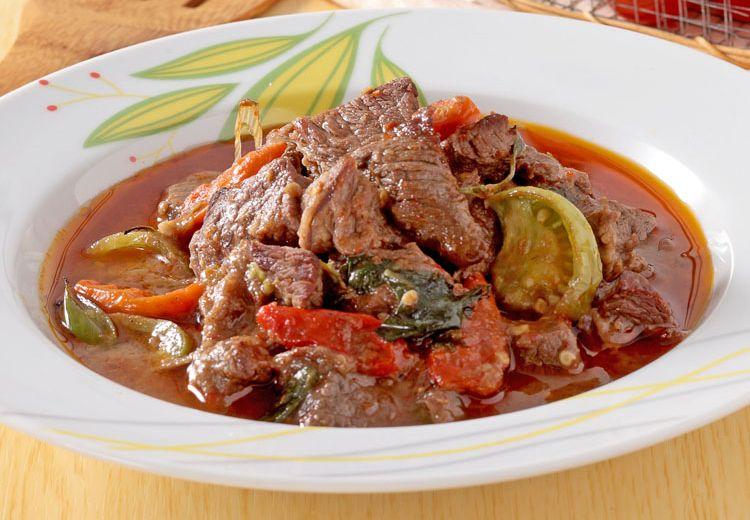 Ingin yang Sedap untuk Makan Siang? Sajikan Saja Daging Masak Kemangi