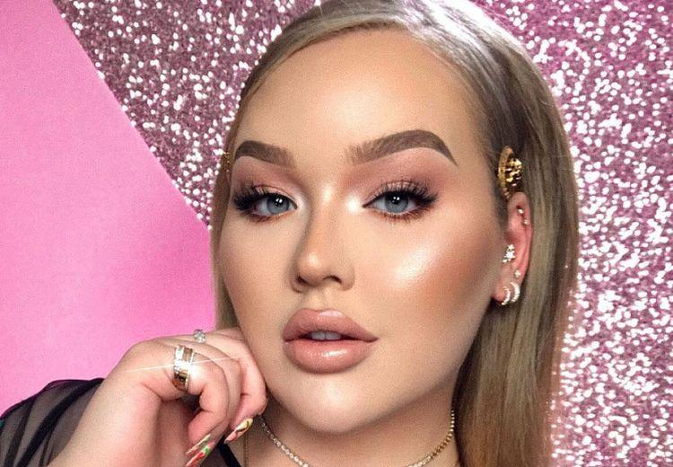 Maybelline x Beauty Vlogger Nikkie Tutorials LuncurkanHighlighter Master Chrome Baru!