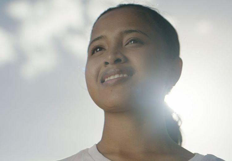 5 Cara Mudah Untuk Bisa Jadi Cewek Keren yang Cinta Akan Keberagaman!
