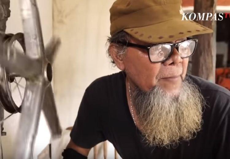 Slamet Jenggot, Seniman yang Ciptakan Alat Musik dari Sampah Hingga Knalpot Helikopter
